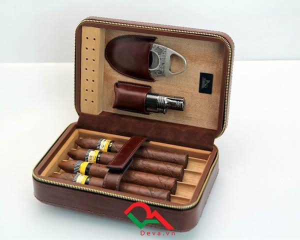 Hộp giữ ẩm xì gà 4 điếu có dao cắt và bật lửa Lubinski XJ-T113